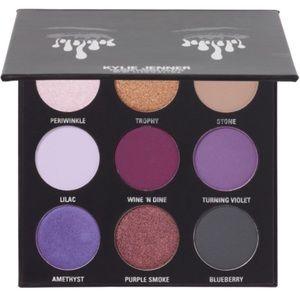 🎉HP🎉 Kylie The Purple Eyeshadow Palette